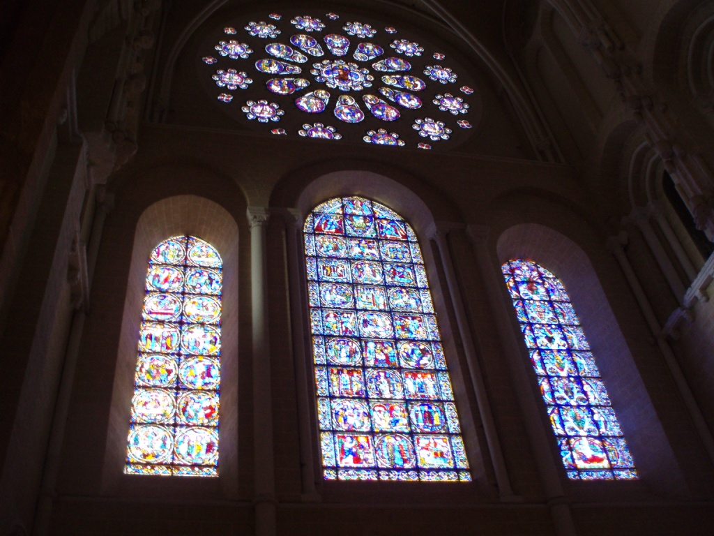 Beyond Paris: A Day at Chartres Cathedral - French Affaires